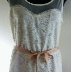 American Eagle Ivory Lace Top With Tie Ribbon